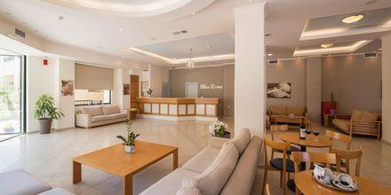 Receptionen på hotell Blue Dome i Platanias, Kreta.