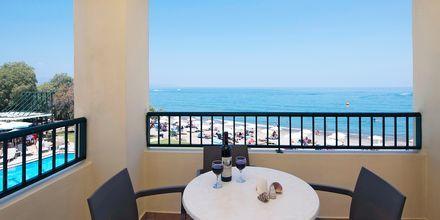 Tvårumslägenhet på hotell Blue Dome i Platanias, Kreta.