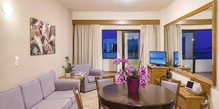 Trerumslägenhet på hotell Blue Dome i Platanias, Kreta.