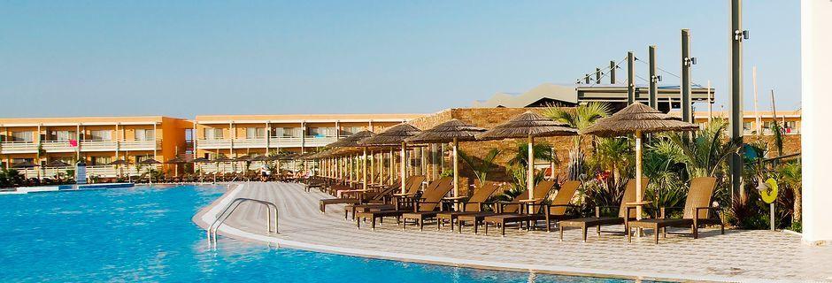 Poolområdet på Blue Lagoon Resort på Kos, Grekland.