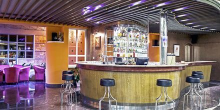 Bar på hotell Bluesun Alga i Tucepi, Kroatien.
