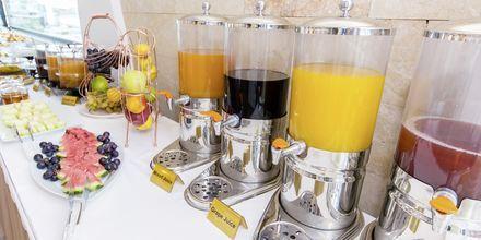 Frukostrum/snackbar på hotell Brilant i Saranda, Albanien.