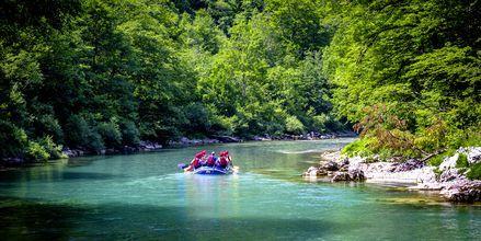 Forsränning i Tara River. En av många utflykter man kan åka på i Montenegro.