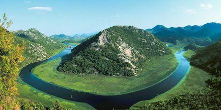 Åk på en utflykt till Skadar Lake och upplev Montenegros gröna natur.
