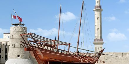 Dubai Museum och Al Fahidi-fortet i Bur Dubai.