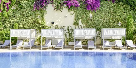 Pool på hotell Butrinti i Saranda, Albanien.