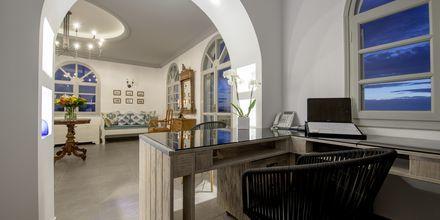 Lobbyn på Caldera's Dolphin Suites på Santorini, Grekland.