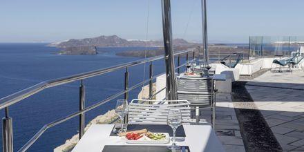 Restaurang på Caldera's Dolphin Suites på Santorini, Grekland.