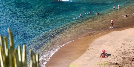 Klart vatten i Callao Salvaje på Teneriffa, Kanarieöarna.
