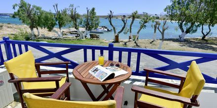 Enrumslägenhet på hotell Captain Nicolas i Naoussa på Paros, Grekland.