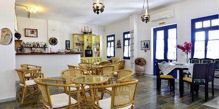 Snackbar på hotell Captain Nicolas i Naoussa på Paros, Grekland.