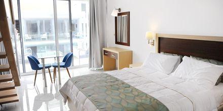 Bo i den nybyggda hotellbyggnaden på Captain Stavros på Lefkas, Grekland.
