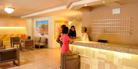 Lobbyn på hotell Carina i Rhodos stad, Grekland.