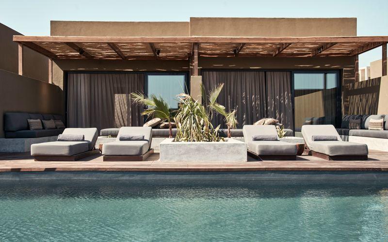 Deluxesvit med delad pool på hotell Casa Cook El Gouna i Egypten.
