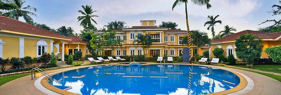 Poolen för sviter på hotell Casa de Goa, Indien.