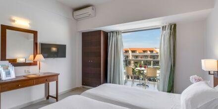 Tvårumslägenhet i etage på hotell Casa di Porto på Kreta, Grekland.