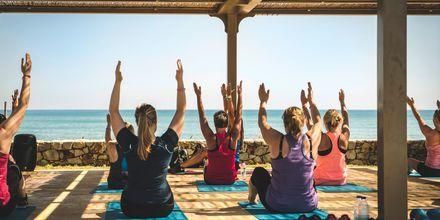 Yoga på hotell Cavo Spada Deluxe & Spa, på Kreta, Grekland.
