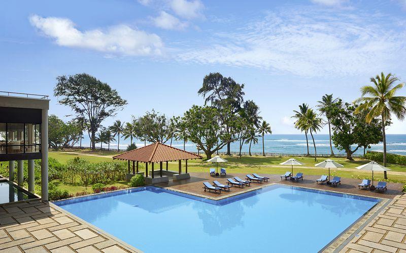 Pool på hotell Cinnamon Bey Beruwala i Bentota, på Sri Lanka.