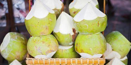Kokosnötter släcker törsten på Sri Lanka.