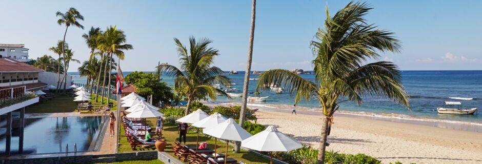 Stranden vid hotell Coral Sands Hotel i Hikkaduwa, Sri Lanka.