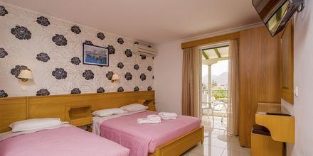 Enrumslägenhet på hotell Cosmopol på Lefkas, Grekland.