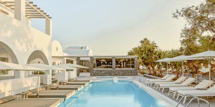 Pool på Costa Grand Resort & Spa i Kamari på Santorini, Grekland.