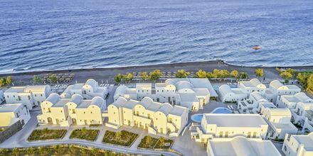 Costa Grand Resort & Spa i Kamari på Santorini, Grekland.
