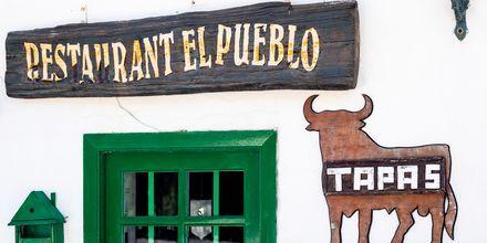 Charmig restaurang i Costa Teguise på Lanzarote, Kanarieöarna.