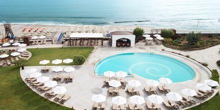 Pool på hotell Creta Maris Beach Resort i Hersonissos på Kreta.