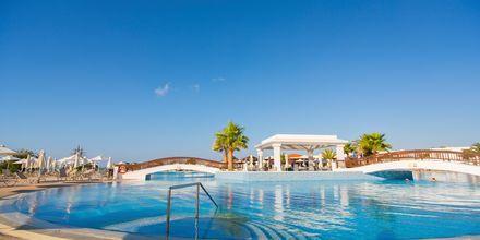Poolområde på hotell Louis Creta Princess Aquapark & Spa på Kreta, Grekland.