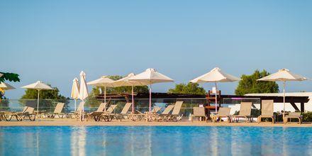 Poolområdet på hotell Louis Creta Princess Aquapark & Spa på Kreta, Grekland.