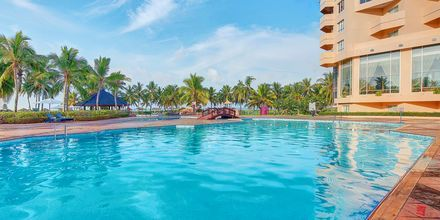 Pool på hotell Crowne Plaza Resort, Oman.