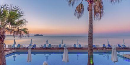 Pool på hotell Crystal Beach i Kalamaki, Zakynthos.