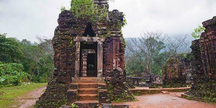 Tempelkomplexet Mỹ Sơn ligger ett par mil från Da Nang och är en UNESCO-skyddad plats.