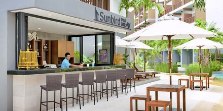 Poolbaren Sunbird på Deevana Plaza i Ao Nang, Thailand.