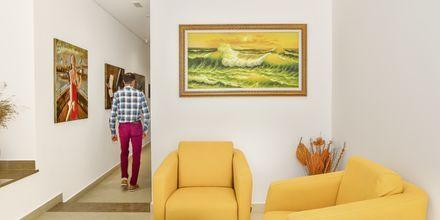 Lobby på hotell Delfini i Saranda, Albanien.