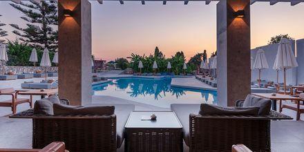 Poolbaren på hotell Diamond Boutique i Lambi på Kos, Grekland.