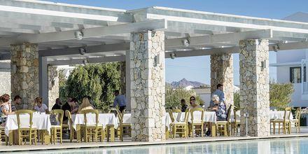 Huvudrestaurangen Emerald på hotell Diamond Deluxe Hotel i Lambi på Kos, Grekland.