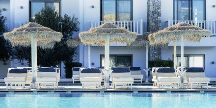 Poolområdet på hotell Diamond Deluxe Hotel i Lambi på Kos, Grekland.