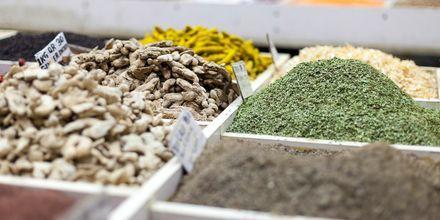 Kryddor till salu på Souq Wakif i Doha, Qatar.