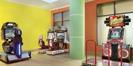 Arcade på hotell Doubletree by Hilton Marjan Island i Ras al Khaimah.