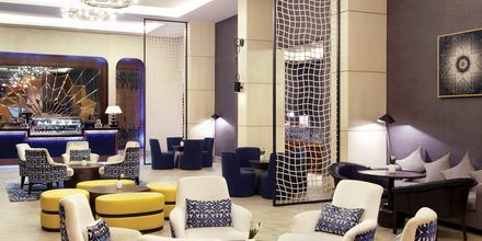 Lobby på hotell Doubletree by Hilton Marjan Island i Ras al Khaimah.
