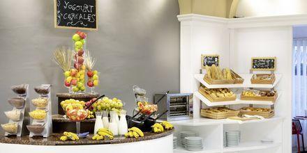Frukostbuffé på hotell Dragos del Sur i Los Gigantes på Teneriffa.