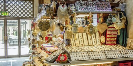 Shopping i Al Barsha-området i Dubai, Förenade Arabemiraten.