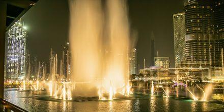 Dubai Fountain i Dubai Downtown, Förenade Arabemiraten.