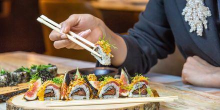 Sushi i Dubai Palm Jumeirah, Förenade Arabemiraten.