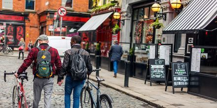 Folkliv i området Temple Bar, Dublin.