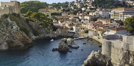 Stadsmuren i Dubrovnik är upp till sex meter tjock och har anor från 1100-talet.