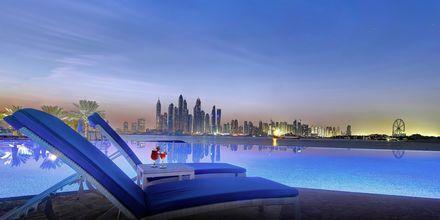 Pool på Dukes The Palm, a Royal Hideaway Hotel på Dubai Palm Jumeirah, Förenade Arabemiraten.