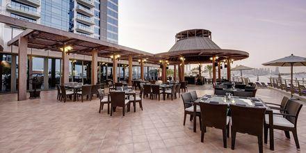 Restaurang Dukes The Palm, a Royal Hideaway Hotel på Dubai Palm Jumeirah, Förenade Arabemiraten.